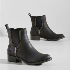 8d6ba0bd37fda ModCloth Chelsea ankle boots WORN ONLY ONCE